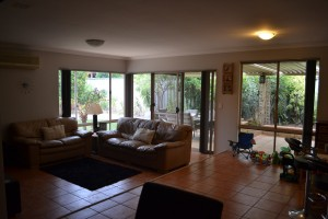 RENTAL KINROSS 4 X 2 FAMILY HOME WITH POOL